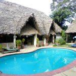 arusha lodge piscina