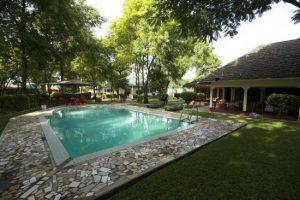 twiga piscina esterno