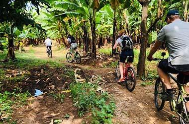 gita in bicicletta nel villaggio di Mto Wa Mbu
