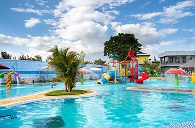 Lodge à Arusha avec aire de jeux