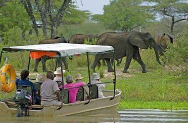 Safari in barca nel Selous