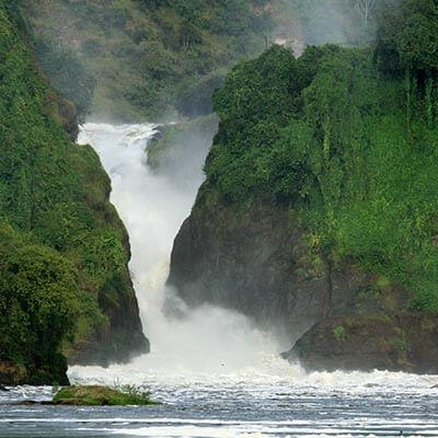 safari tour uganda